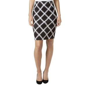 NWT Alfani Black and White Plaid Pencil Skirt
